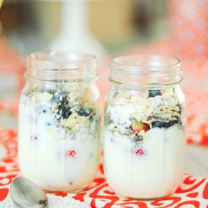 homemade yogurt parfait healthy breakfast