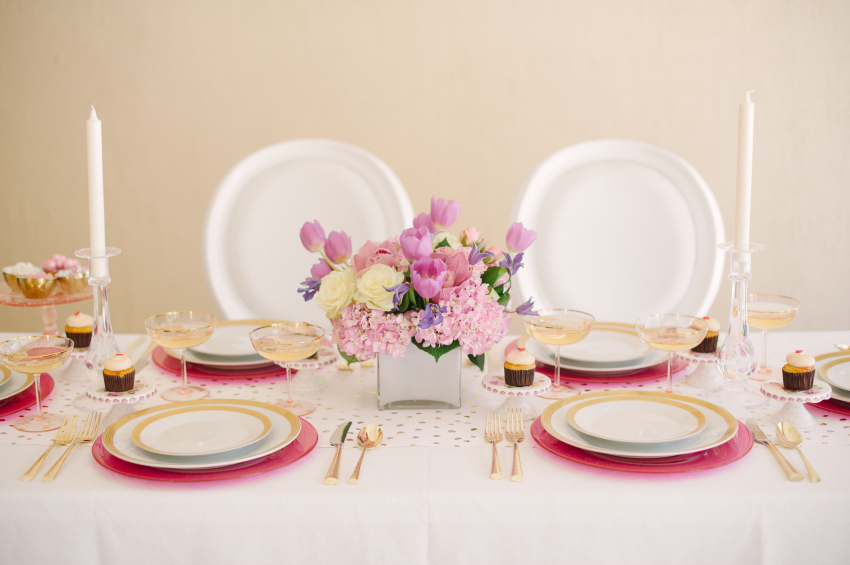 Mothers Day Tablescape ideas by Fashionable Hostess