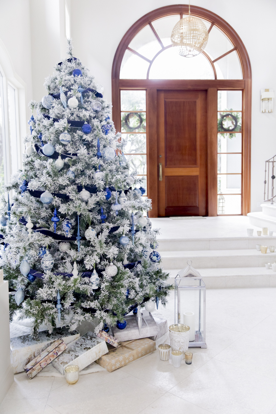 Frontgate Christmas Trees.Christmas Tree 2018 Fashionable Hostess